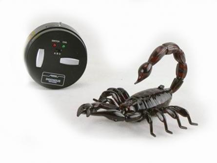 T236-D1655 Игрушка на радиоуправлении. Робот-скорпион (USB, свет, пульт управления,30 см)