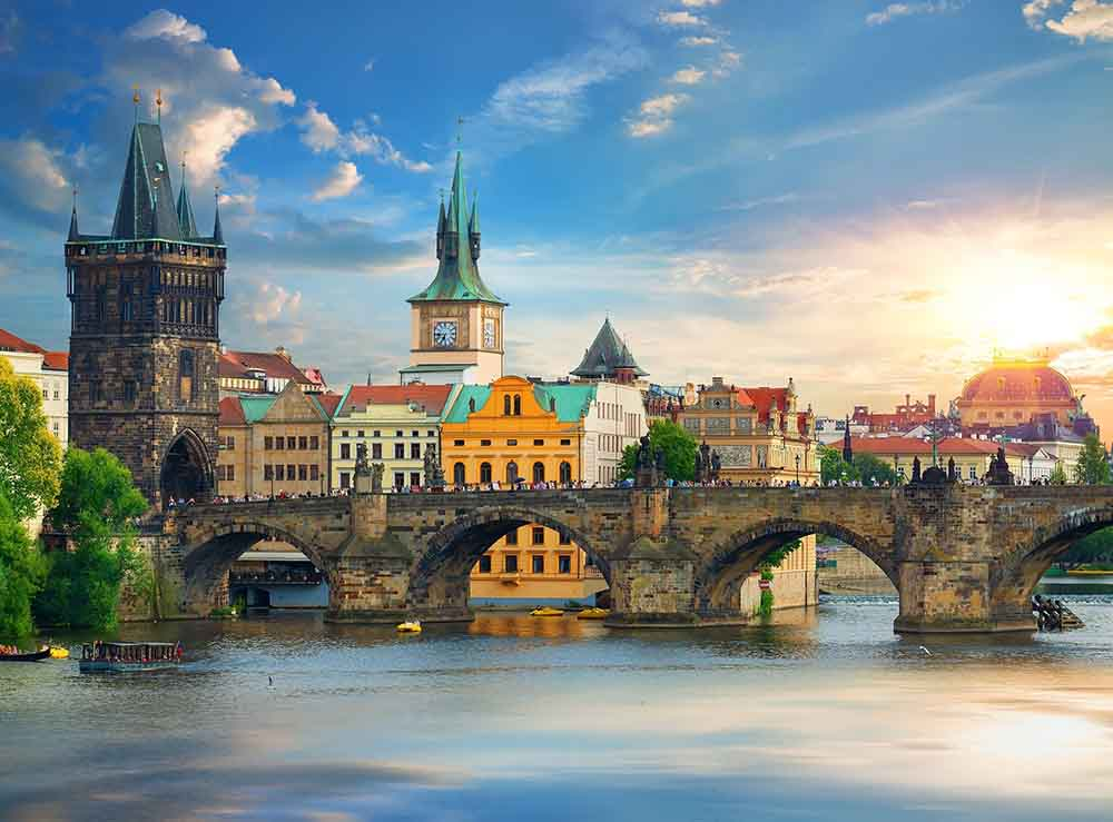 Алмазная мозаика 30*40 (класс) полное зап. без подр. (32 цв.) Уютная летняя Прага (Арт. WFC097)