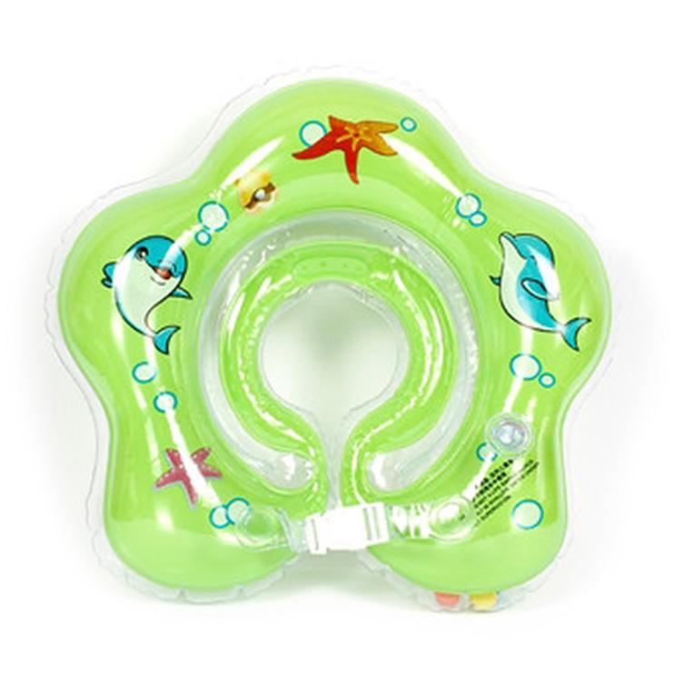 0055 Uviton Круг для купания с погремушкой (зеленый)