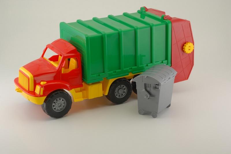 Машина Магирус мусоровоз