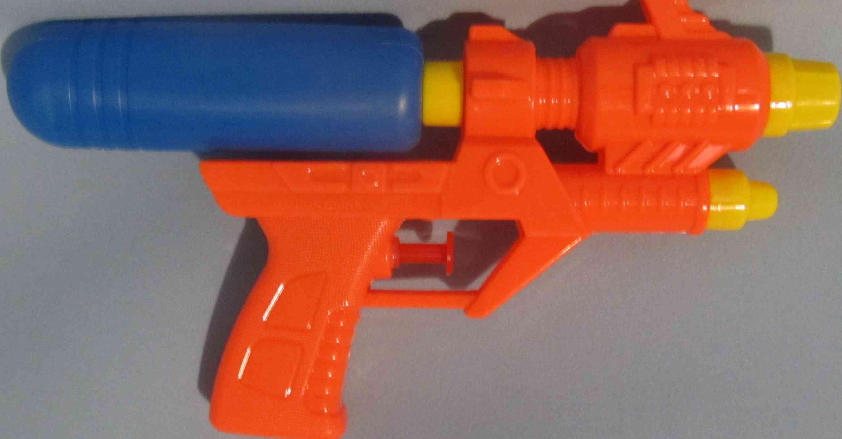 Водное оружие 20 см  655