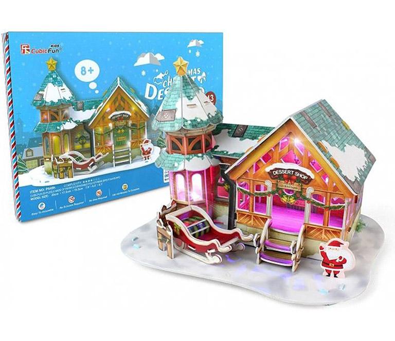 649 Рождественский домик 3 ( с подсветкой )