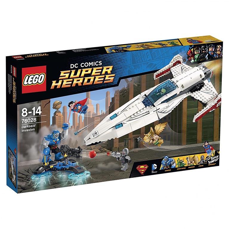 "76028 Super Heroes ""Вторжение Дарксайда"""
